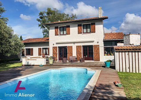 Charmante maison à Salles avec piscine