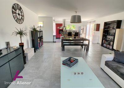 Contemporaine de 2018 avec 125 m² habitable à Belin Béliet 22