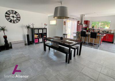 Contemporaine de 2018 avec 125 m² habitable à Belin Béliet 23