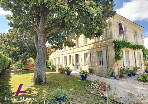 Belle demeure de 400 m² à 30 min de Bordeaux