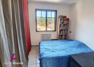 Ensemble immobilier comprenant une maison et 4 appartements à Lugos 12