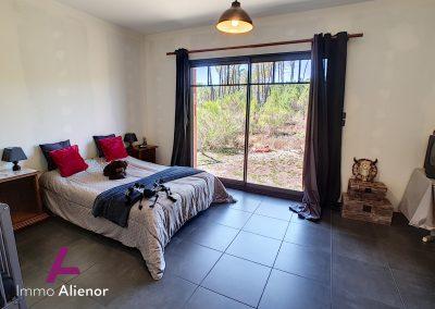 Ensemble immobilier comprenant une maison et 4 appartements à Lugos 6
