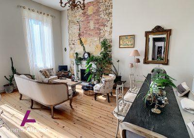 Maison de maître de 345 m² à Cabanac 12