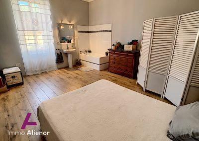 Maison de maître de 345 m² à Cabanac 18