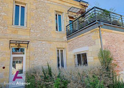 Maison de maître de 345 m² à Cabanac 21