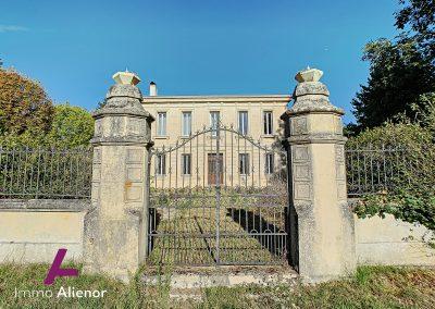 Maison de maître de 345 m² à Cabanac 3