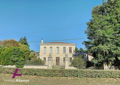 Maison de maître de 345 m² à Cabanac 4
