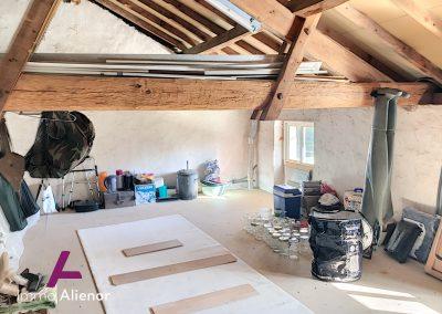 Maison en pierres avec un terrain de 7500 m² 15