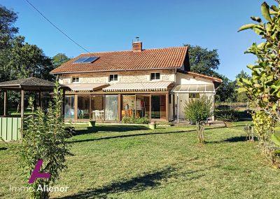 Maison en pierres avec un terrain de 7500 m² 16