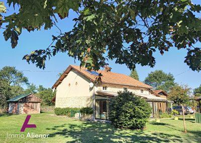 Maison en pierres avec un terrain de 7500 m² 18
