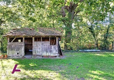 Maison en pierres avec un terrain de 7500 m² 22