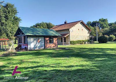 Maison en pierres avec un terrain de 7500 m² 23