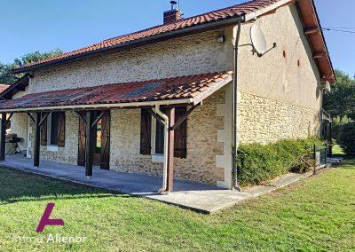 Maison en pierres avec un terrain de 7500 m² 24