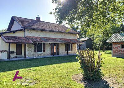 Maison en pierres avec un terrain de 7500 m² 26