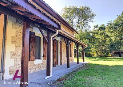 Maison en pierres avec un terrain de 7500 m² 28