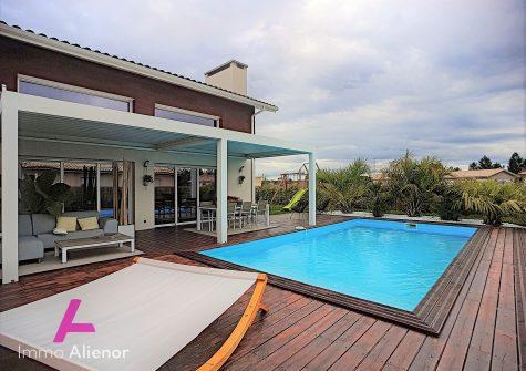 Maison de 177 m² à Mios