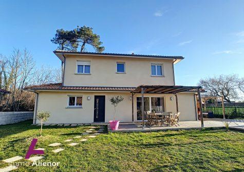 Maison de 147 m² à Parentis-en-Born