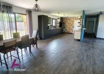 maison de 148 m² à Belhade 4