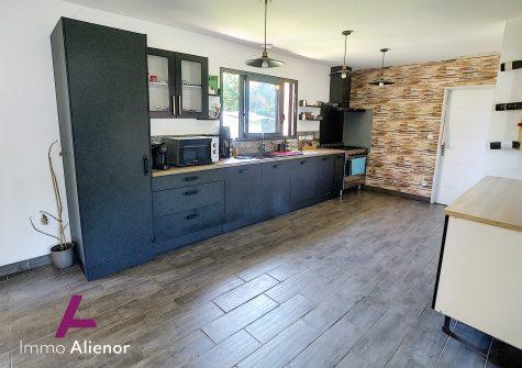 Maison de 148 m² à Belhade