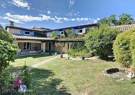 Maison de 164 m² à Garnerans