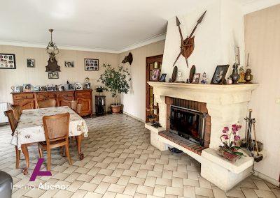 maison de 150 m² à Manzac Sur Vern 56