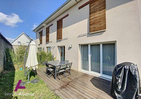 Duplex de 70 m² à Rillieux-la-Pape