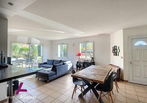 Maison 4 pièces de 90 m² à Sallebœuf