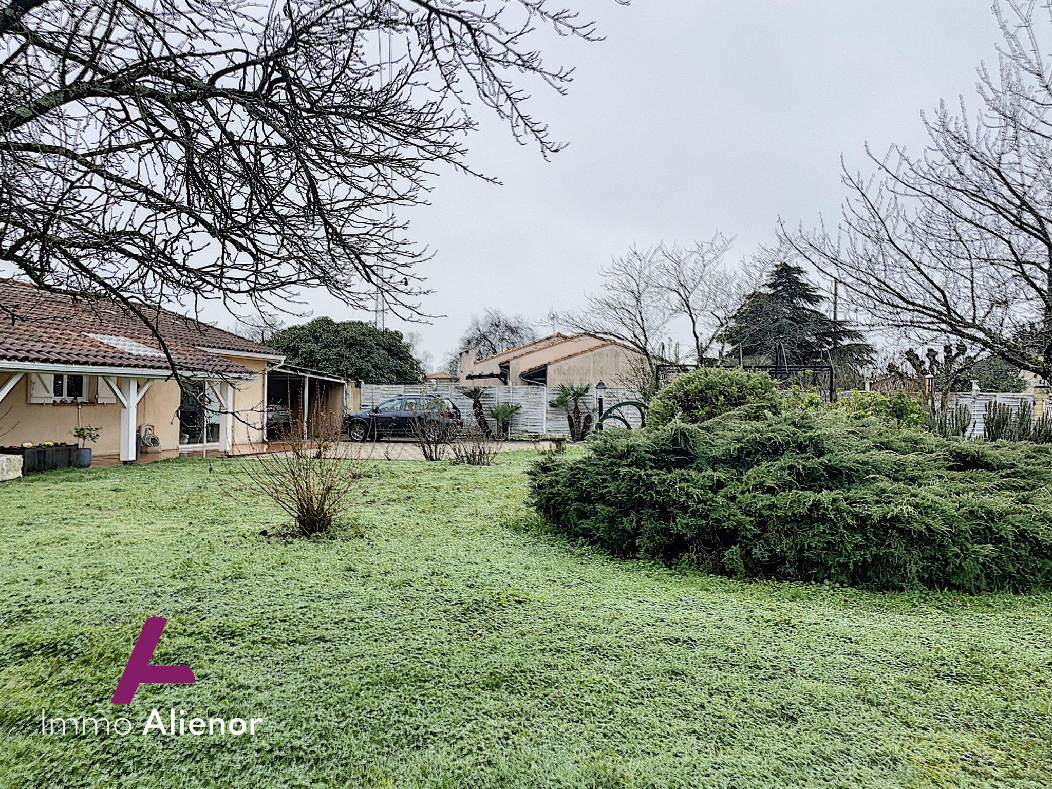 Maison 7 pièces de 140 m² à Saint-Loubès