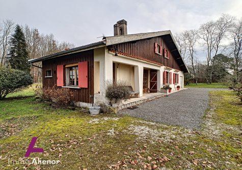 Maison 5 pièces de 110 m² à Louchats