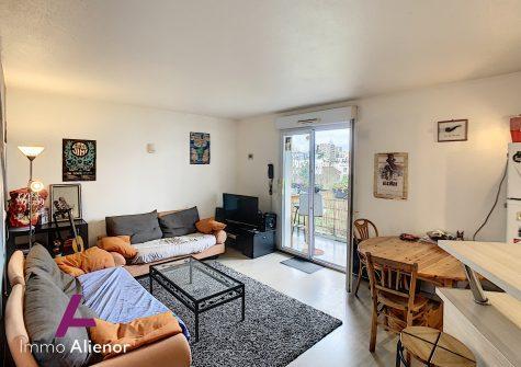 Appartement 2 pièces de 54 m² à Bègles