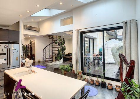 Maison 3 pièces de 97 m² à Talence
