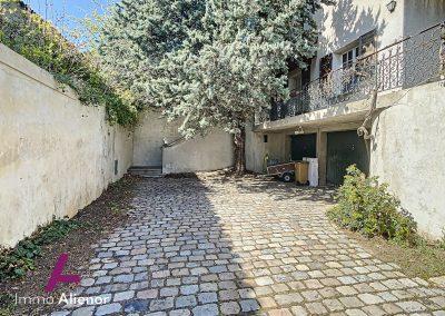 12 Maison a vendre Lyon 05