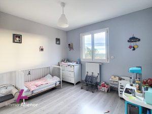 Maison 2015 – 3 chambres – Beau jardin