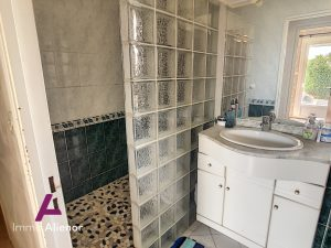 À vendre à Gujan-Mestras : villa avec 4 pièces avec Immo Ali